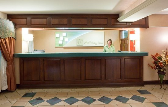 Port Washington, WI: Front Desk