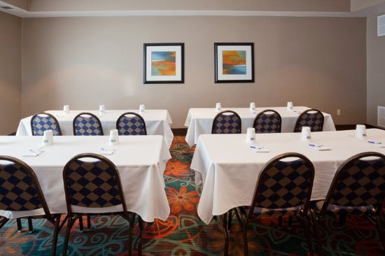 Сент-Клауд, Миннесота: Meeting Room Rental Available for Up to 24 People