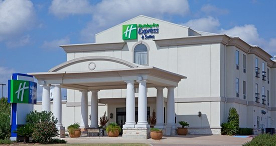 Holiday Inn Express College Station: Hotel Exterior