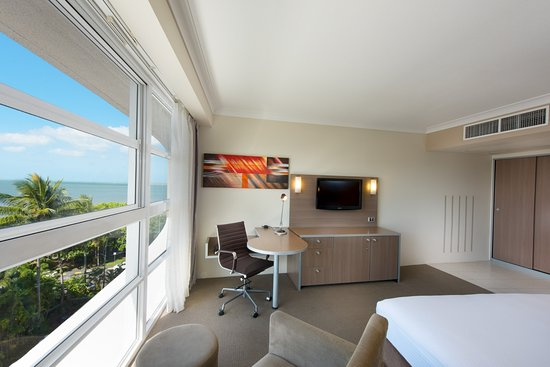 Interior - Picture of DoubleTree by Hilton Hotel Cairns - Tripadvisor