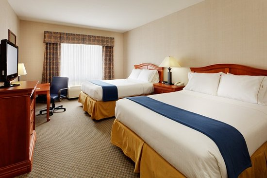 Victor, Nova York: Guest Room With Two Queen Beds, Desk and In-Room Safe
