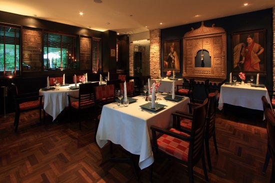 Indus bangkok restaurant reviews phone number photos for Ambiance cuisine nice