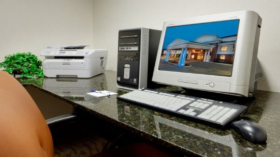 Victor, Nowy Jork: Business Center with Computer and Printer
