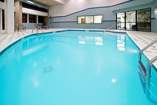 Holiday inn huntington bewertungen fotos for Swimming pool preisvergleich