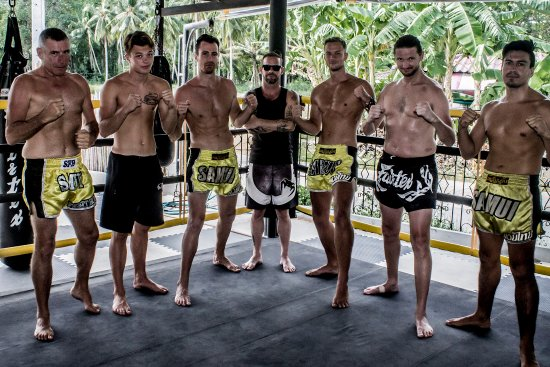 Group class with fighting team at Samui Fight House - Picture of