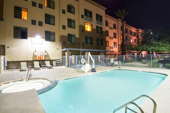 Holiday Inn Hotel Suites Goodyear West Phoenix Area Relax And Take A Dip Exterior Swimming Pool
