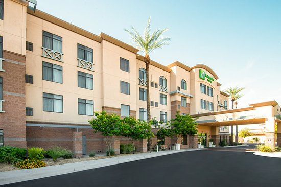 Goodyear, AZ: Welcome to the Holiday Inn & Suites West Phoenix Area!