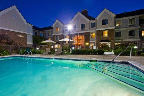 Utica, ميتشجان: Swimming Pool