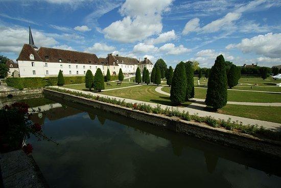 Gilly-les-Citeaux, Frankrike: Exterior View