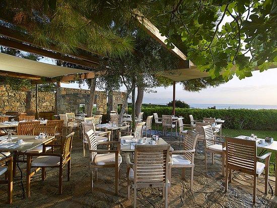 St. Nicolas Bay Resort Hotel & Villas: Breakfast At The Club House