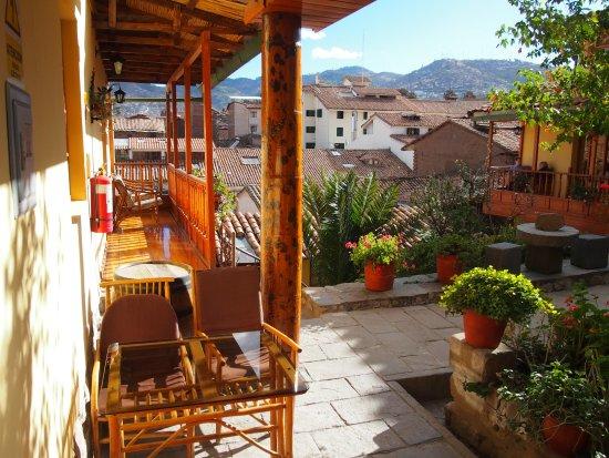 Amaru Hostal: deuxieme patio espace repos
