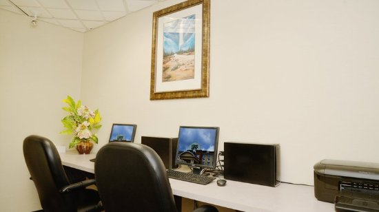 Edson, Canada: Business Center is here to help you get the work done!
