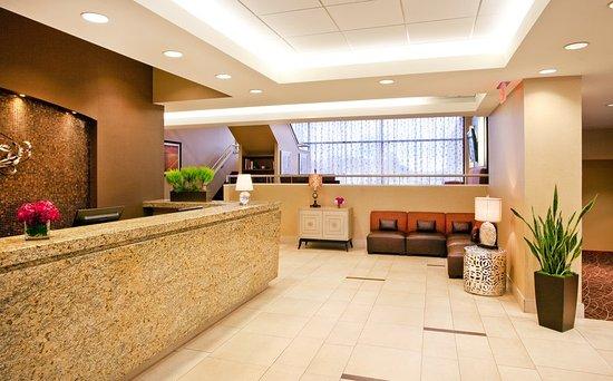 Newton, MA: Hotel Lobby