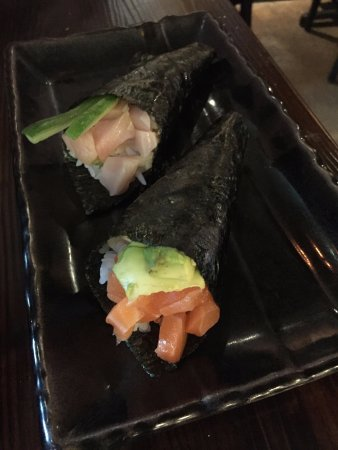 Alhambra, CA: handroll sushi