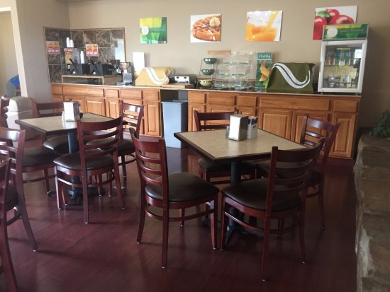 Ocean Shores, WA: New chairs and tables upgrade to the breakfast area!