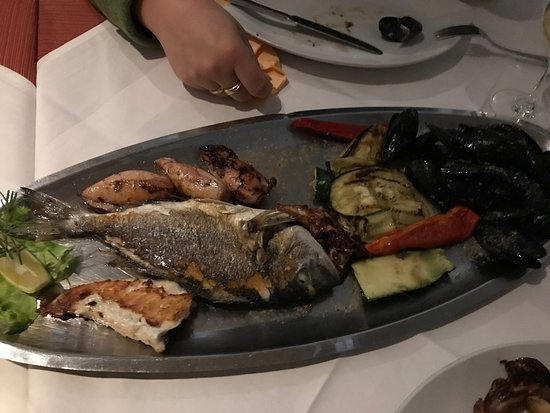 Molunat, โครเอเชีย: Fantastic seafood direct by the seaside