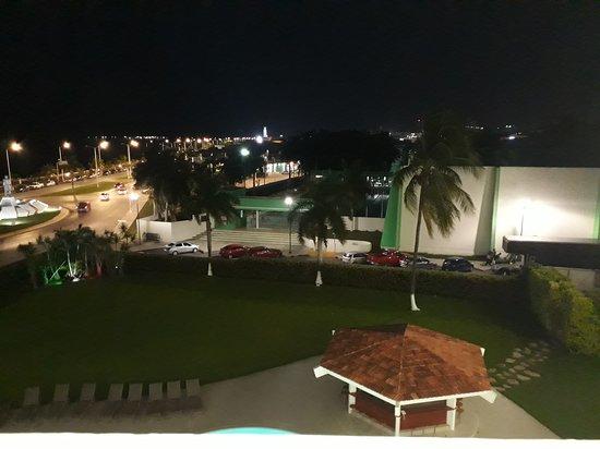 Gamma Campeche Malecon: 20170921_194055_large.jpg