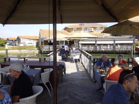 Restaurant Ecailler - les Pavois : sur l'eau au calme