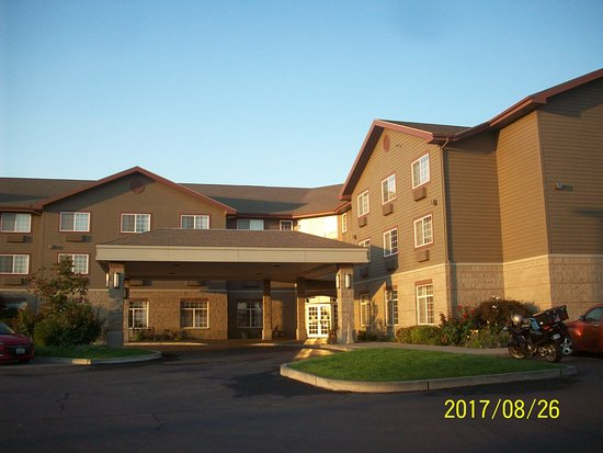 Best Western Plus Kennewick Inn: BW Plus Front Entry