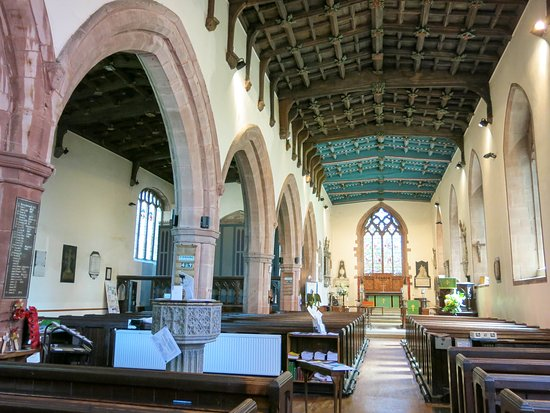 Ruthin, UK: Unusual double nave