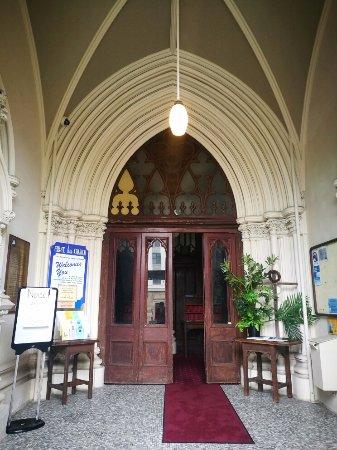 First Church of Otago: 教堂大門口