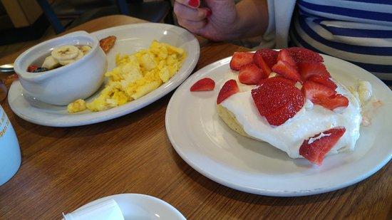 Hermiston, OR: breakfast at.... Denny's