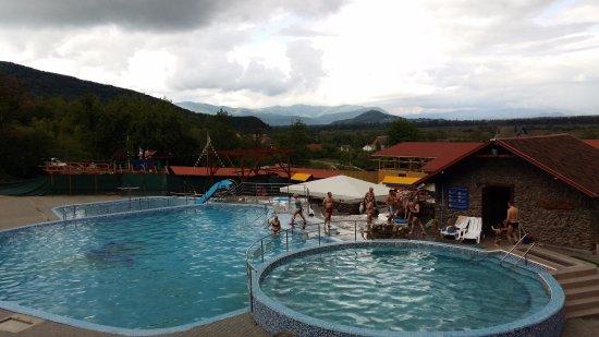 Velyatyn, ยูเครน: В бассейне