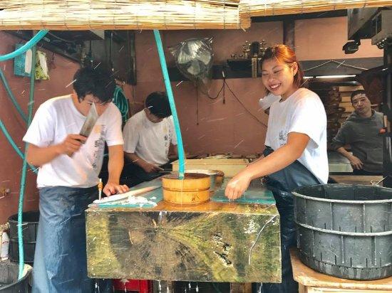 Narita Rainbow Tours: Prepping eel