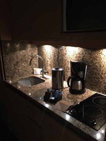 espace cuisine - Chambre double classique - Picture of Relais Spa ...
