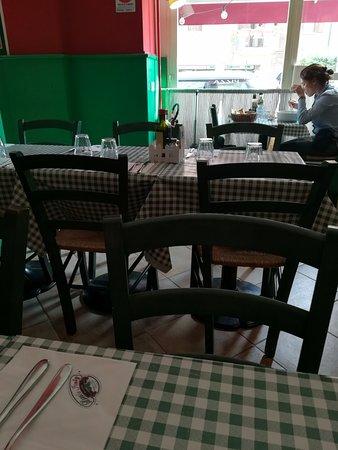 Little Italy: saletta interna
