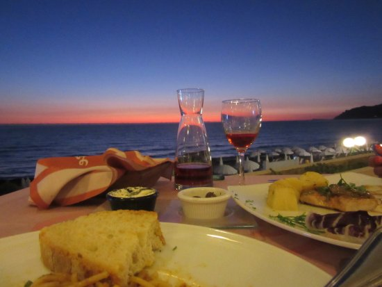Sea Breeze Restaurant : What A View