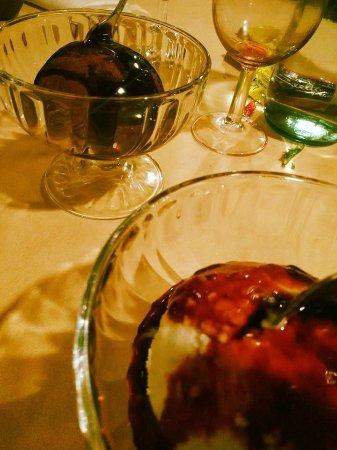 ristorante pizzeria Barone Rosso: fine cena dessert di gelati affogati molto buoni !!