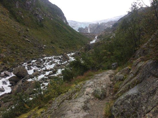 Hardanger, นอร์เวย์: Aun no habíamos llegado arriba pero ya era impresionante