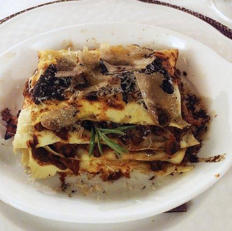Trattoria al Picchio: Vincisgrassi (tipica lasagna di Macerata)