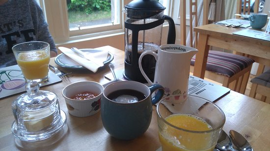 Jedburgh, UK: Coffee, Orange Juice, Sherry Marmalade and Butter