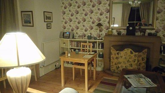 Jedburgh, UK: Breakfast and Lounge Area