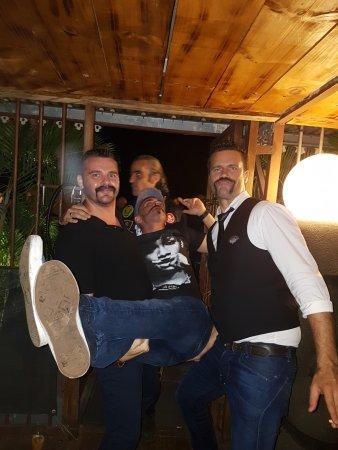 La Possession, Νήσος Ρεουνιόν: soirée tapas spécial moustache. 3 à 4 par an a ne pas manquer