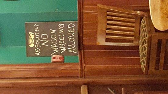 Cregeen's Irish Pub: 20170924_195104_large.jpg