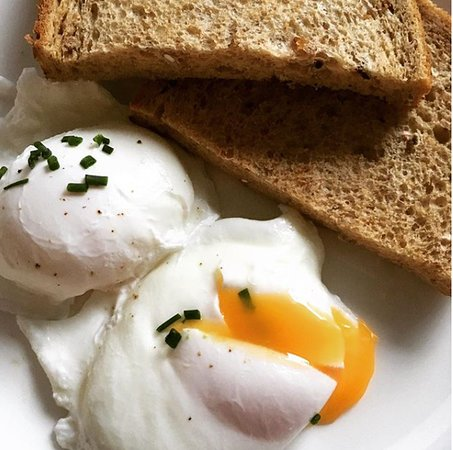 Forfar, UK: Poached eggs on toast