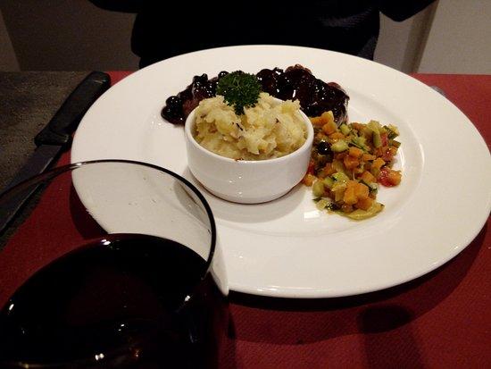 Restaurant La Table De Gustave Dans Ornans Avec Cuisine Fran Aise