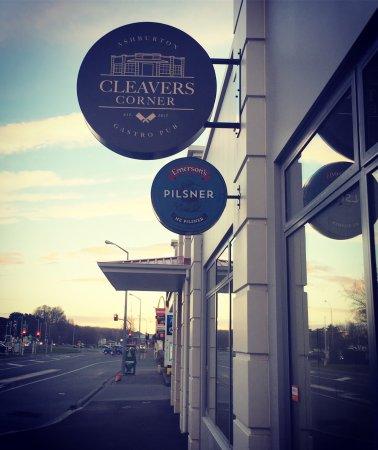 Cleavers Corner Gastro Pub