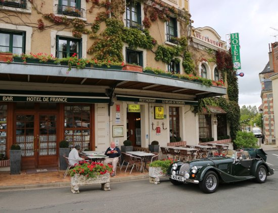La Chartre-sur-le-Loir, Prancis: Hotel de France and Morgan