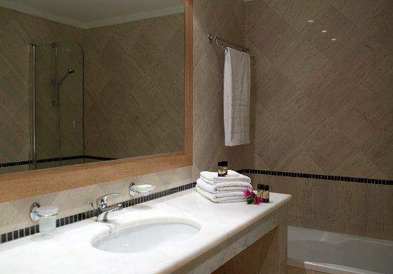 Mitsis Norida Beach Hotel : Bathroom