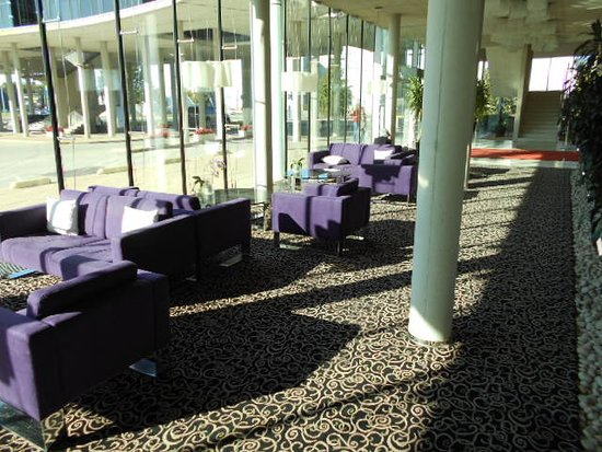 Ulemiste Hotel : Vid hotellfoajèn