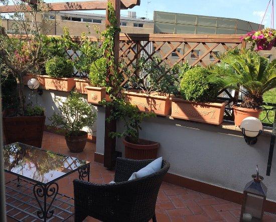 Althea Inn Roof Terrace: photo2.jpg