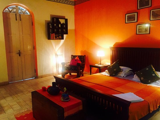 Curtorim, India: The orange room