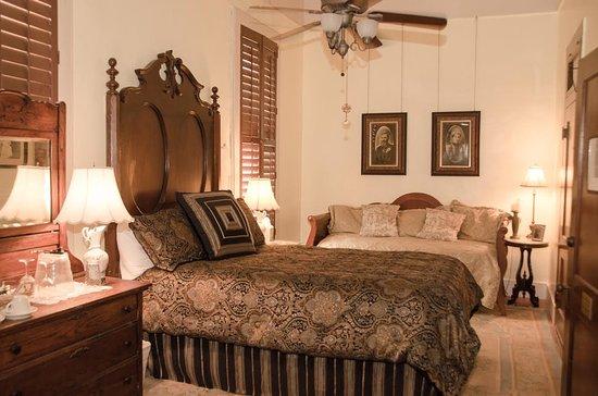 Granbury, TX: #7 David and Sudie Nutt Queen Suite