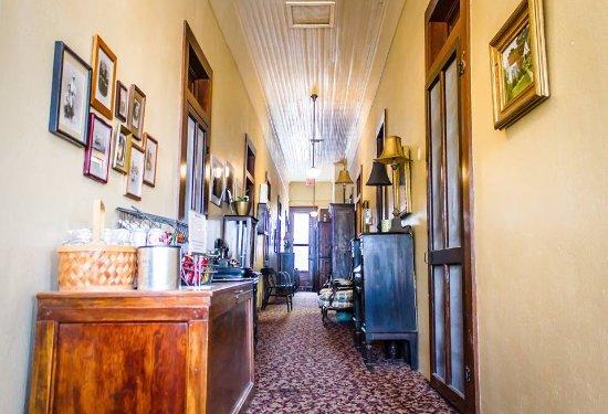 Granbury, TX: History filled hallways - photos, artifacts + a snack bar!!