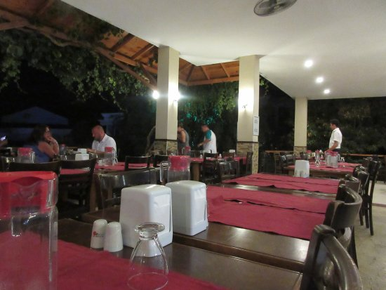 Ova Resort Hotel: late in the dinning room