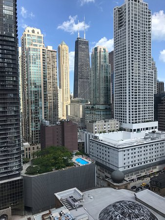 Hilton Garden Inn Chicago Downtown/Magnificent Mile: View from our room